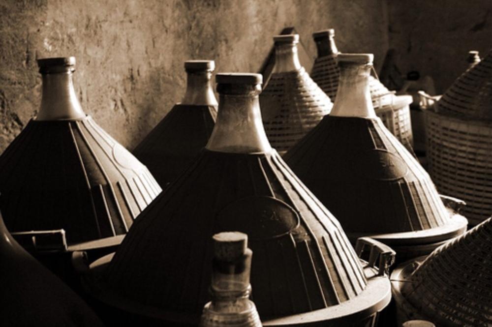 wine-cellar-italy-ancient-lights-wallpaper.jpg